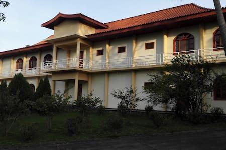 House for rent-Parana Country Club - Hernandarias