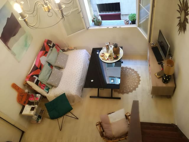 Cosy duplex in the heart of old town!