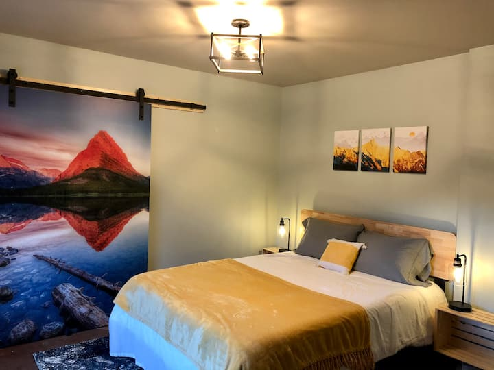 Newly Updated Downtown Kalispell Guest Suite