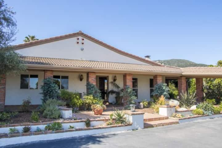 Mary's Hilltop Retreat ,the Tuscany of Jamul