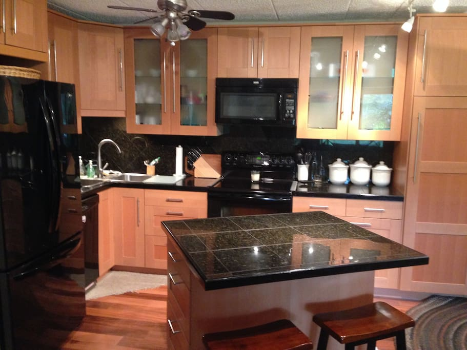 Newly remodled granite kitchen with breakfast island