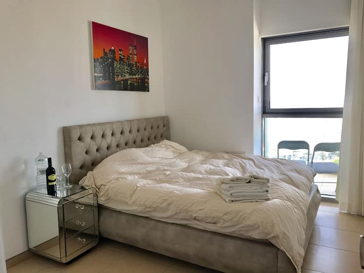 NEVE ZEDEK LUXURY 2BR/BA HIGH FL+POOL