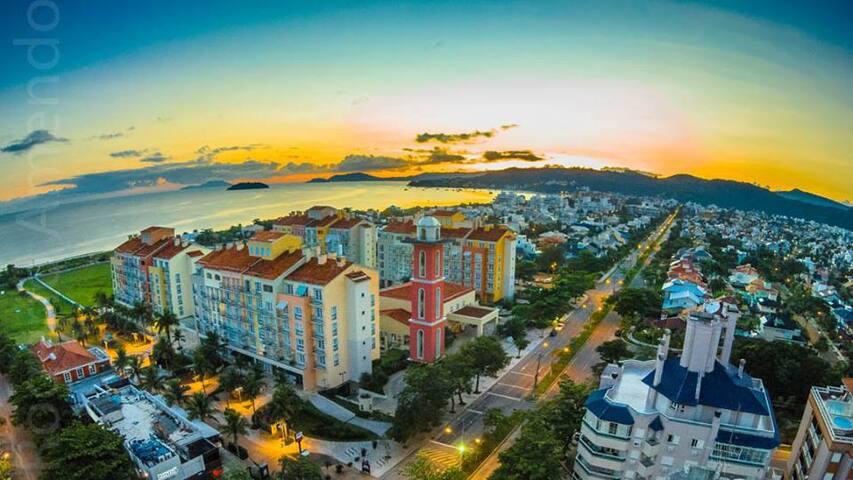 JURERÊ 1 DORMITÓRIO - EXCELENTE LOCALIZAÇÃO - Florianópolis - Teilzeitwohnung
