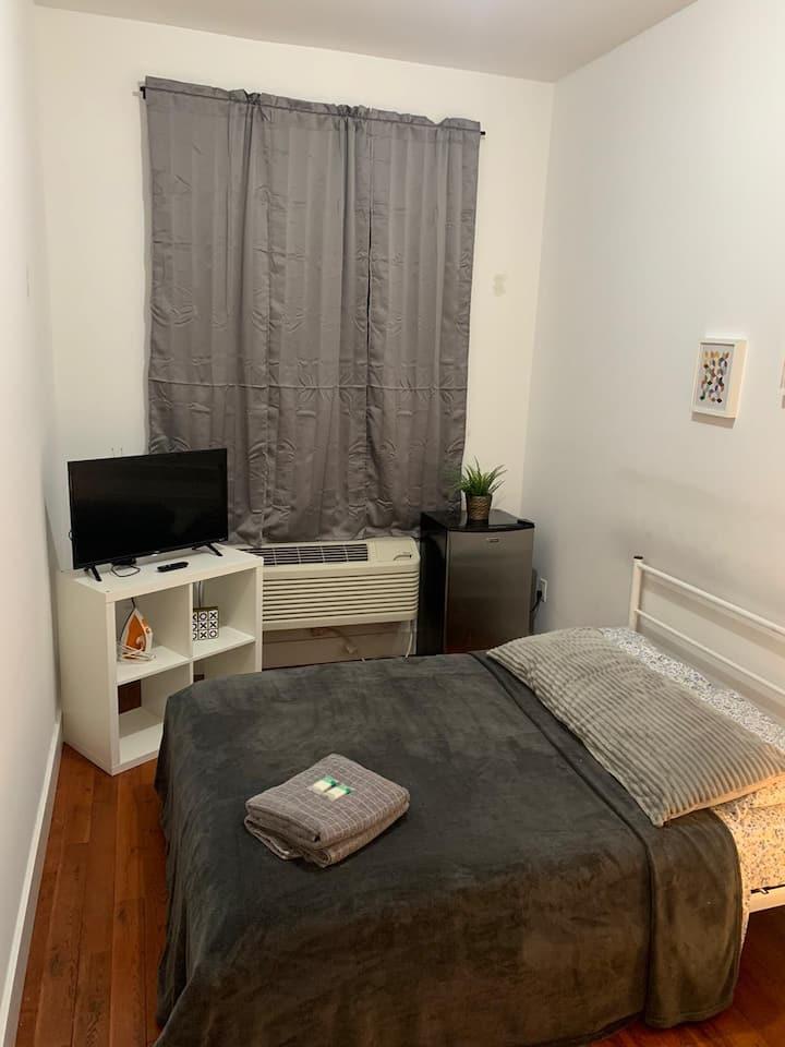 Comfy Room Close to the Subway