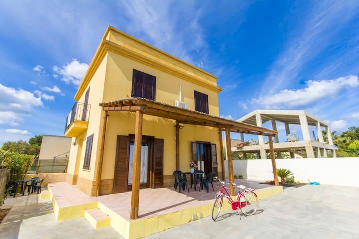 Elios Apartments
