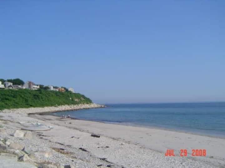 Plymouth 4 bdrm a/c home 3-min. to Priscilla Beach