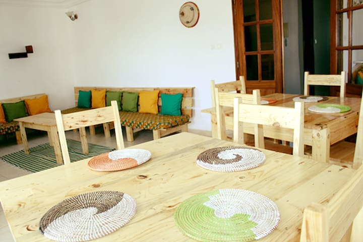 Enjoy Home- Beautiful flat with Sea view