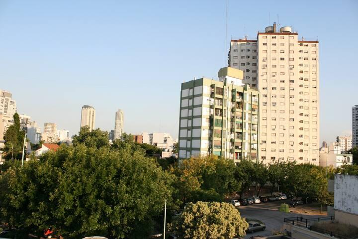 Lindo depto en Almagro luminoso - Buenos Aires - House