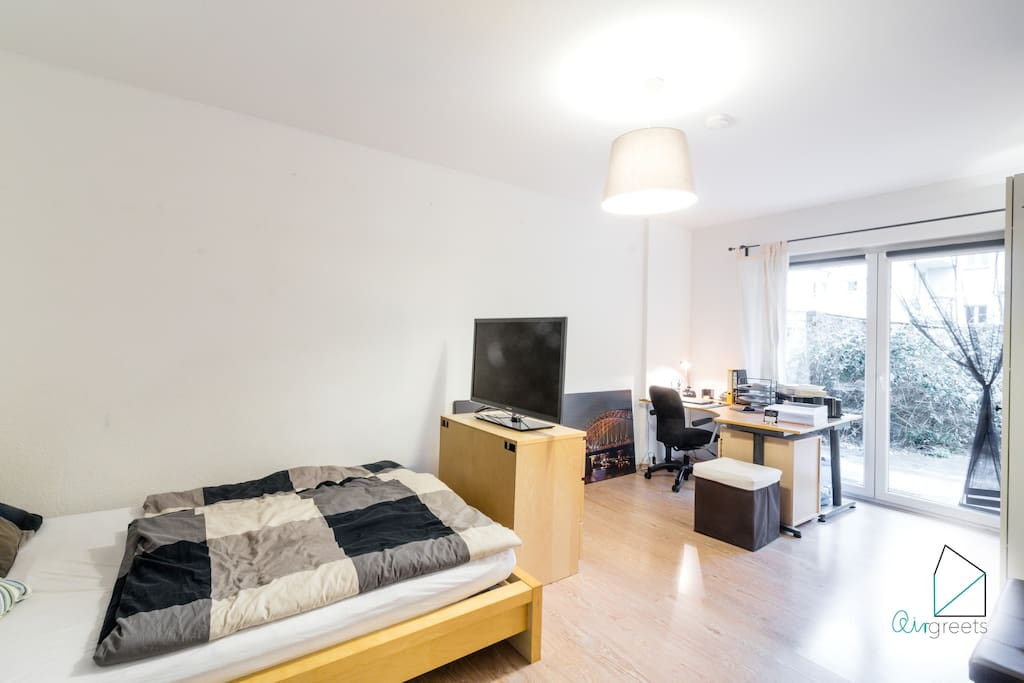 The cozy studio apartment is the ideal place to relax after a busy day in Cologne.