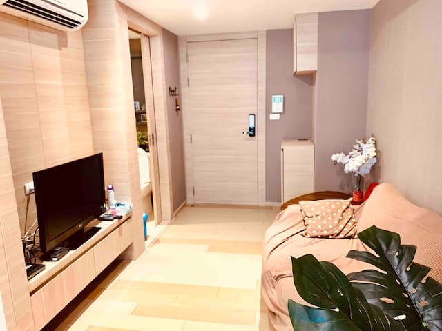 1 BED ROOM APARTMENT IN SILOM, BTS, MRT