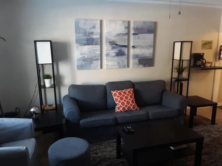 Quiet 1 Bedroom 1 bath Apartment in Morse park