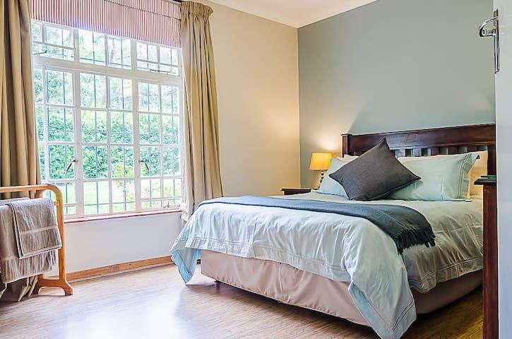 Rose Cottage - Natal Midlands [Cozy 6 sleeper]