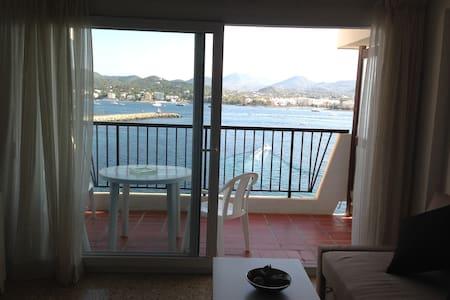 Apartamento en primera línea de mar - Sant Antoni de Portmany - Apartament