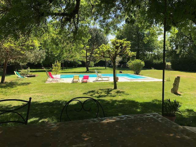 Maison de 200m² en pierre avec piscine - Salignac - บ้าน