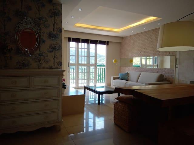 Elegante e confortável apartamento em Itaipava RJ