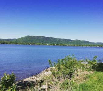 Lakefront Paradise - Bridport - Hytte