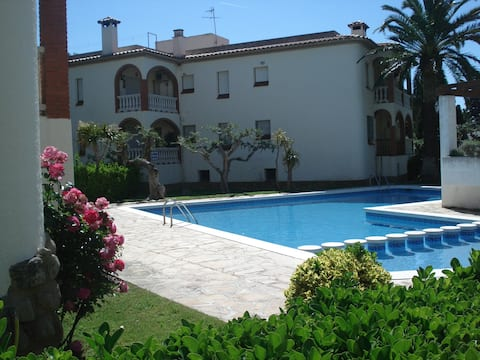 APARTMENT WITH POOL CLOSE THE BEACH