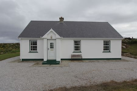 Lullmore Cottage - Kincasslagh - House