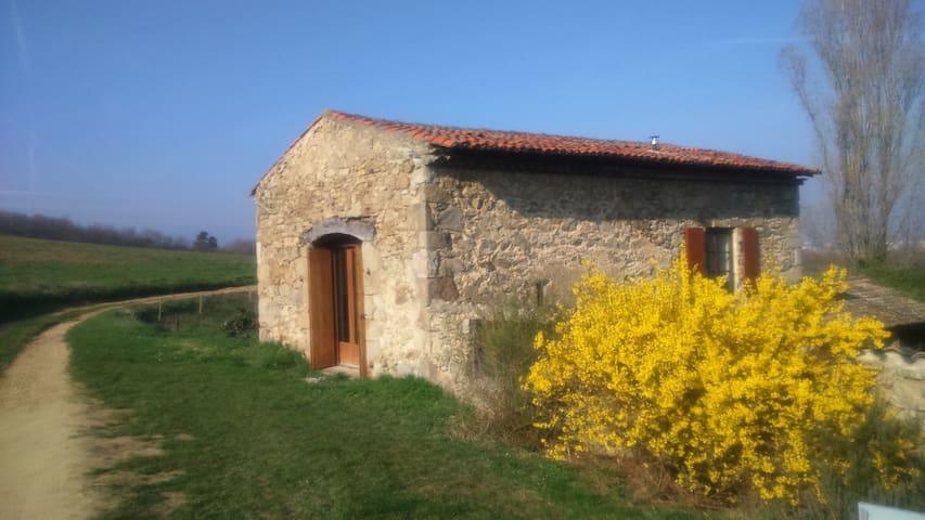 Ancienne grange rénovée en Ardèche verte