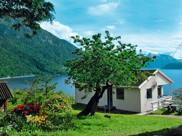 Holiday home Granvin in Hardangerfjord