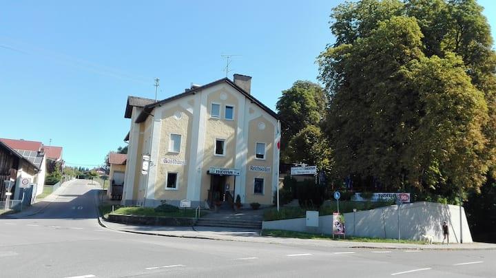 Schöne, helle Wohnung im Urlaubsland Bayern