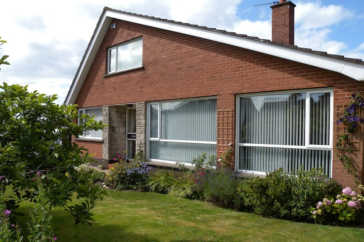 Bright spacious family home with large garden