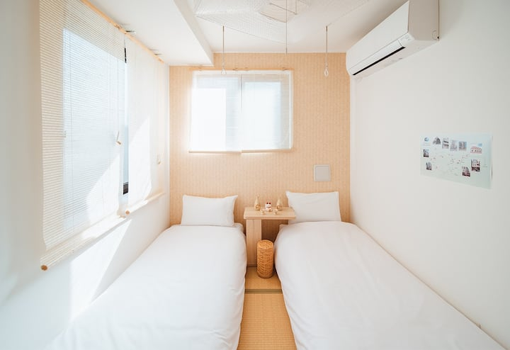 Sunny apartment near Nippori Sta. 5mins/two beds