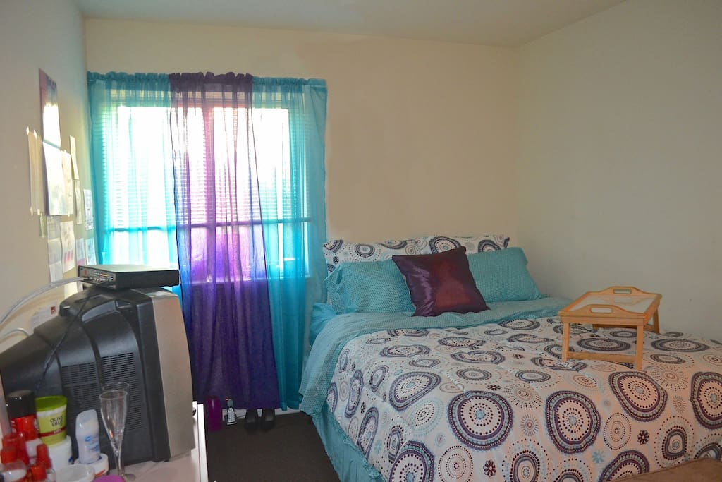 Beautiful baltimore room with view apartments for rent for Best private dining rooms in baltimore