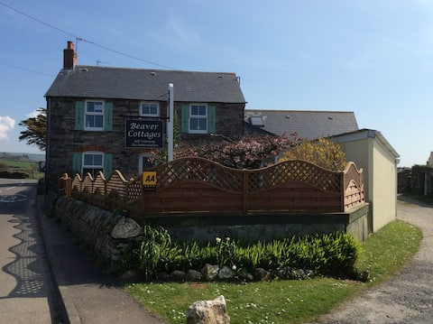 Beaver Cottages - The Lodge, close to Tintagel