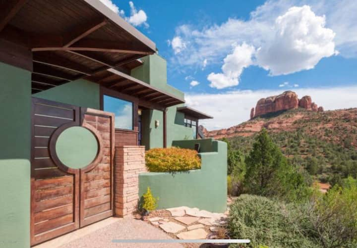 Sedona LUXE home w/ Chapel for retreat or wedding!