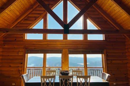 Sunrise Cabin Lake House w/ Spectacular Views