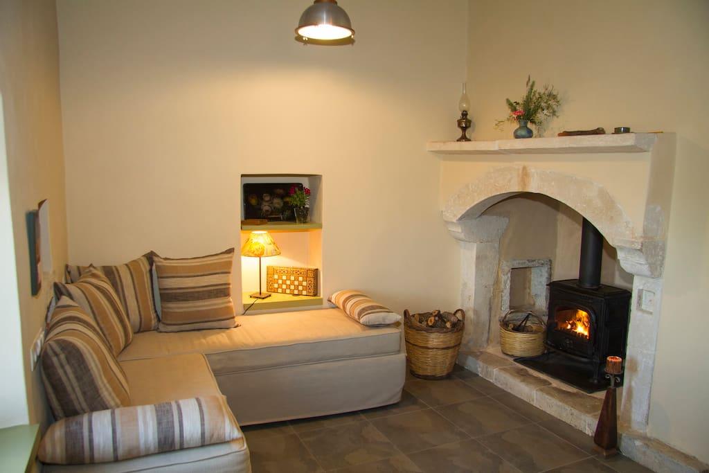 Agapi Holiday House, Fireplace