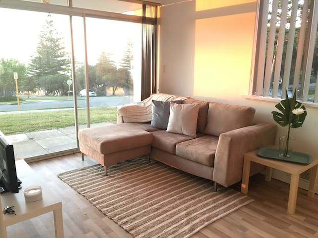 Delightful Coastal Apartment - Cottesloe - Wohnung