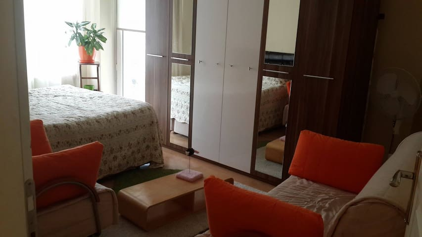 Nice, quite, cosy room in the old city - Eyüp - Lägenhet