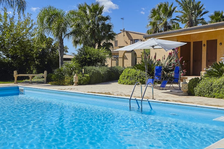 Villa Oasi - Holiday Villa Rental by the Sea in Selinunte, South Sicily