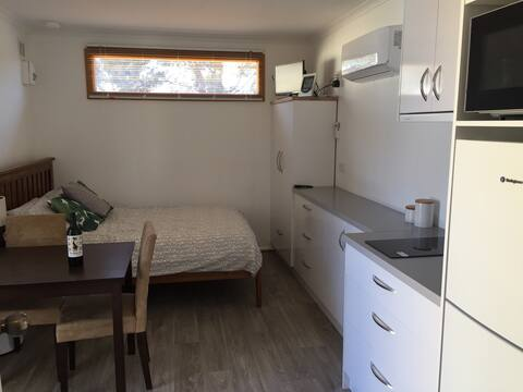 Self Contain Cabin  (Modern Tiny Home).