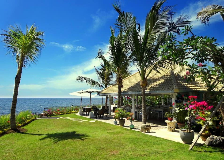 Restaurant Bora Bora, Bar n Bistro by the Beach