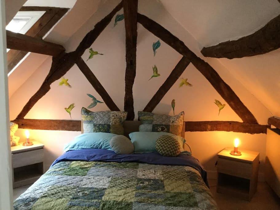 Chambre double pour 2 personnes, linge de lit Lin Vosges et Bouchara.