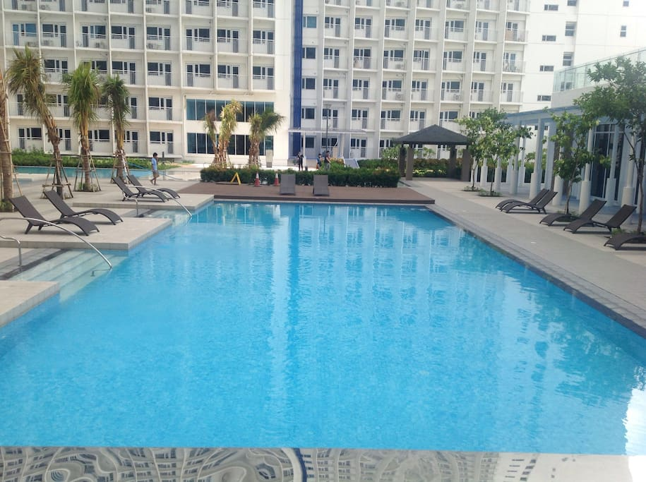 One of 6 swimming pools in the complex. A small fee is payable to Jazz Admin for access.