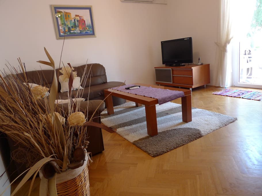 Living room with TV and wireless internet access