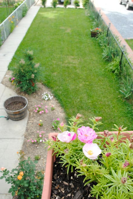 Garden with private parking