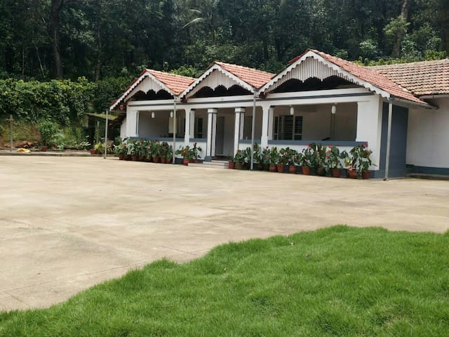 Serene Kottage- A stay amidst nature B