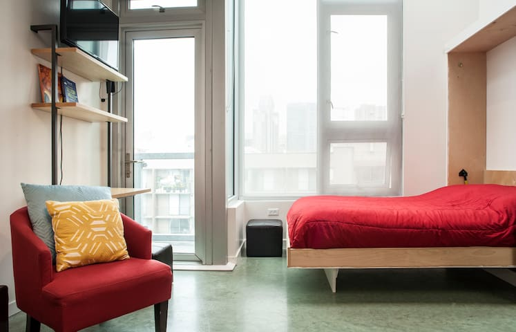 Modern Studio +View in SOMA!