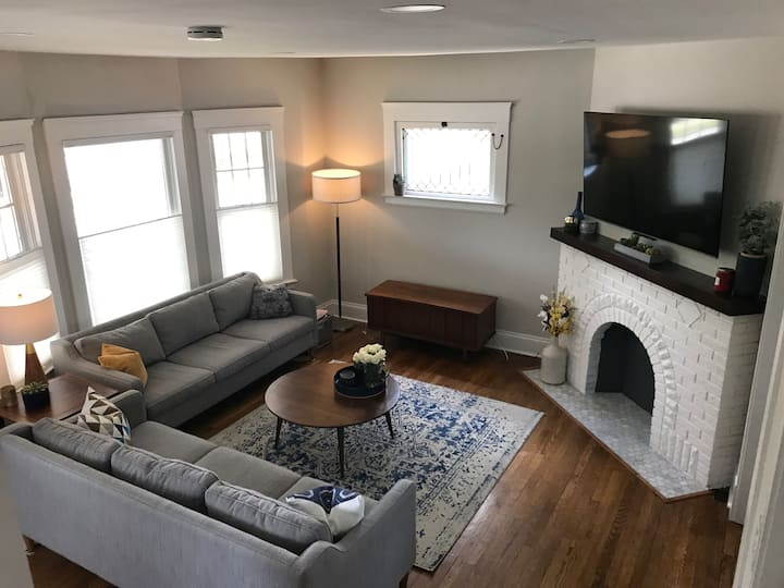 Renovated Lakewood Century Home-Entire Home Rental