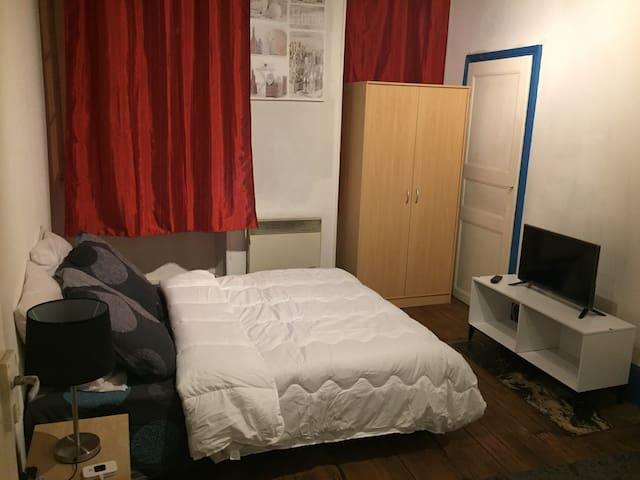 Appartement à coté de l'hôpital et du centre ville
