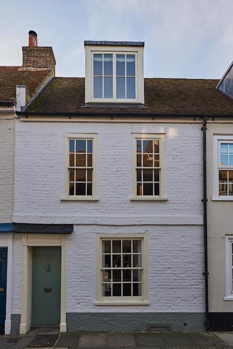 House-2 Double Bedrooms-Grade II listed Cottage