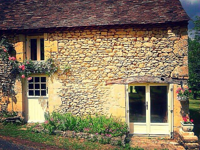 Gîte de charme dans hameau de paix - Alles-sur-Dordogne - Dům