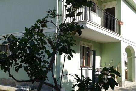 Vacanza in Sardegna Villa singola - Coop. Cento - Huvila