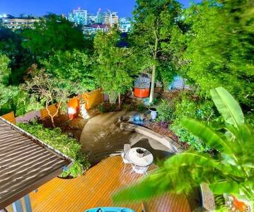 City views and a spa in garden #2 - Woolloongabba - Bed & Breakfast