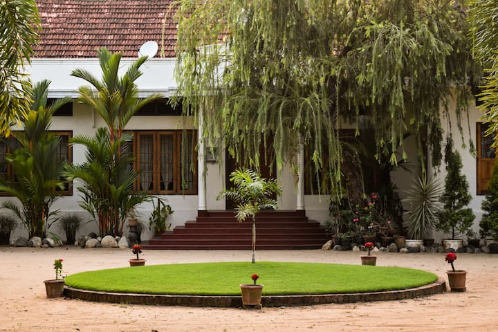 Silvermoon Heritage Homestay - Ernakulam - Bed & Breakfast